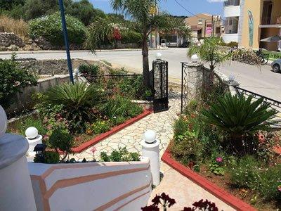 Hellenic Sun Studios & Apartments